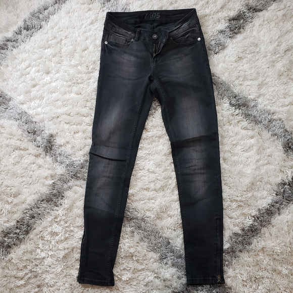 Zara Black Skinny Pants